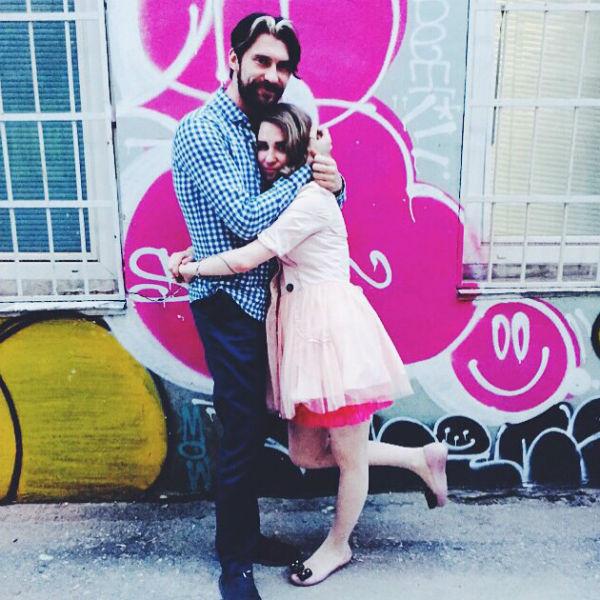 Режиссер призналась, что не намерена расставаться с любимым из-за глупого скандала