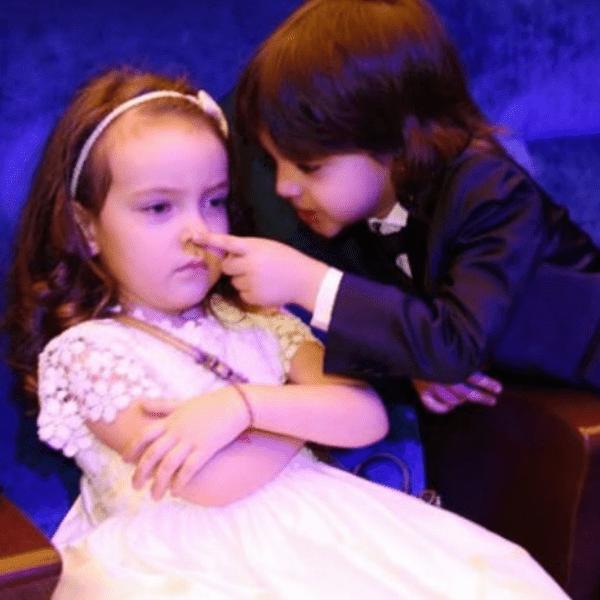 Маленькая Алла-Виктория посвятила брату стихотворение