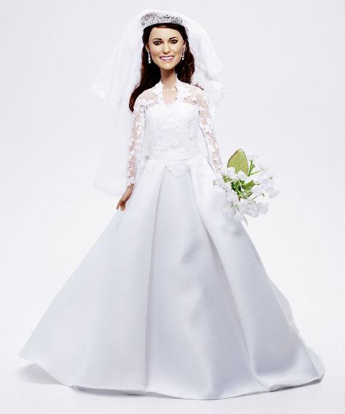 Кукла Кейт, которая появилась в преддверии ее грандиозной свадьбы с принцем Уильямом