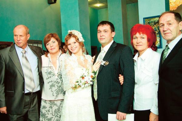 В 2010 году Анастасия вышла замуж за Александра
