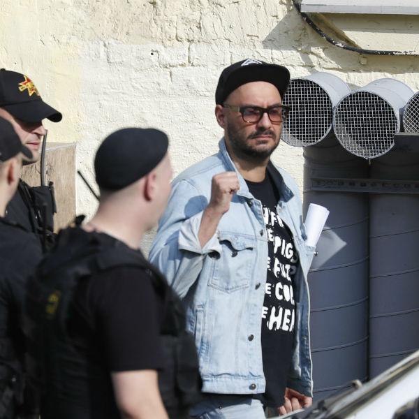 Кирилл Серебренников теперь под домашним арестом
