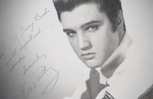 Фотография Элвиса Пресли с автографом