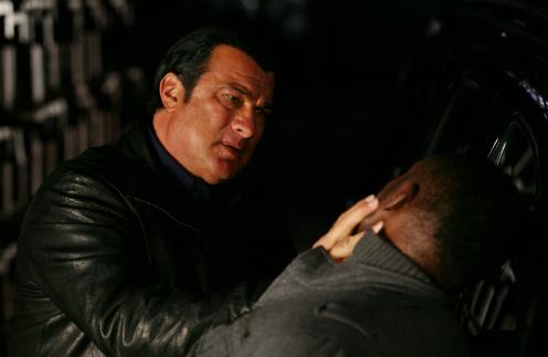 Стивен Сигал в сериале «Перекресток смерти»