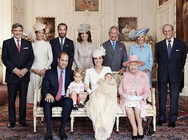 Официальный снимок с крещения принцессы Шарлоттыl