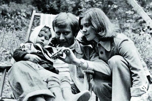 Марию Голубкину воспитывали Андрей Миронов и Лариса Голубкина