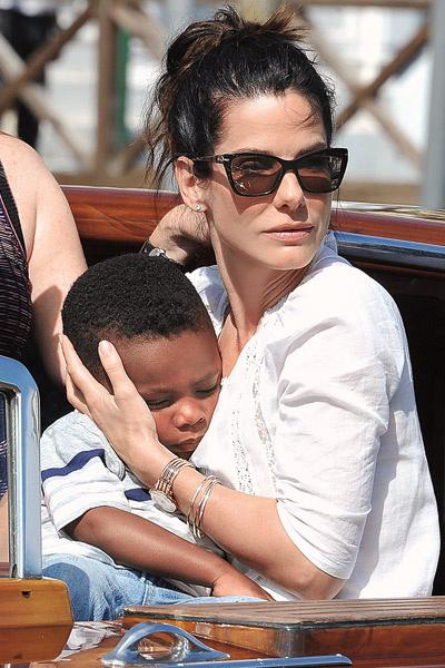 Пятилетний Луис ревнует маму ко всем мужчинам