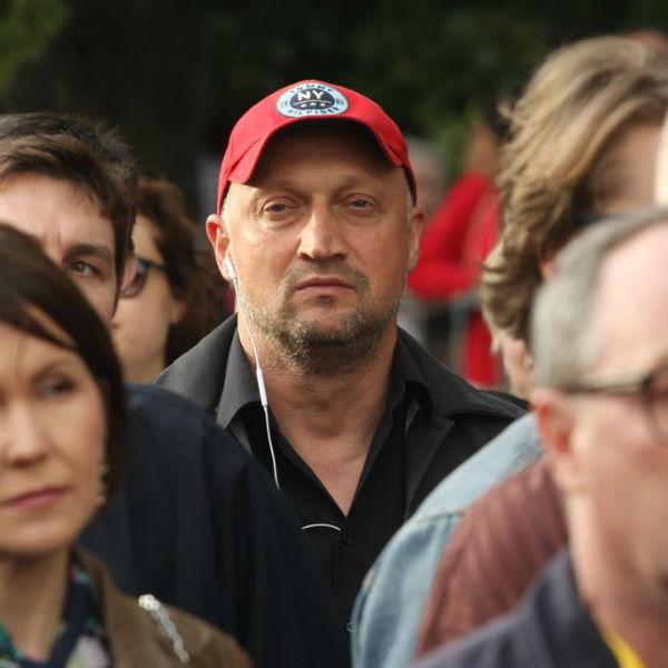 Гоша Куценко затерялся в толпе