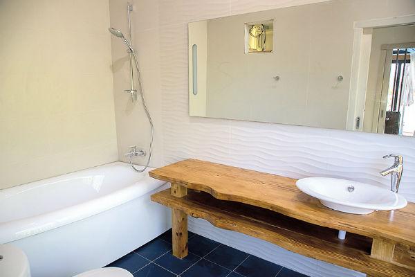 На вилле две ванные комнаты