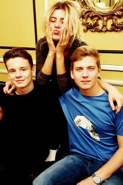 Анна с братьями Арсением и Артемом