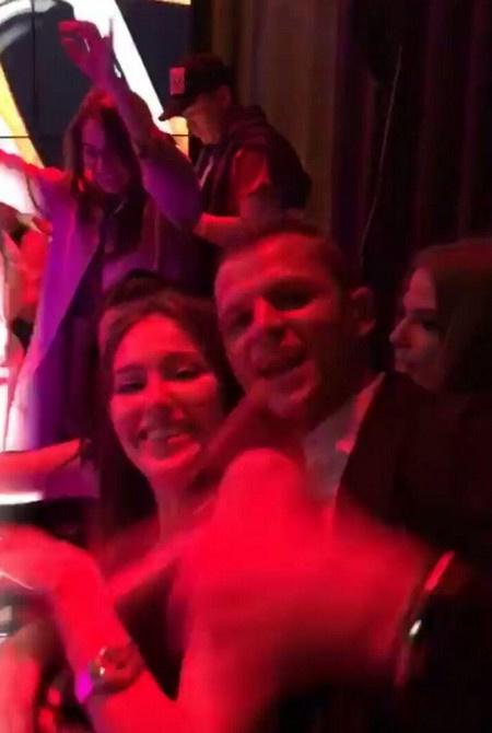 Дмитрий Тарасов посещает концерты вместе с друзьями и новой избранницей