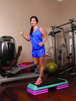 Жасмин усиленно тренируется, чтобы держать себя в форме