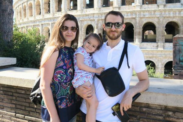 Виктория Райдос с дочерью и муже Василием