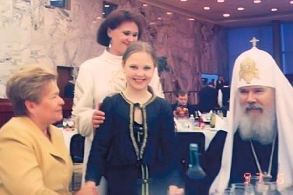 Пелагея на приеме у Ельцина – с его женой Наиной Иосифовной и Патриархом Алексием II, 1998 год