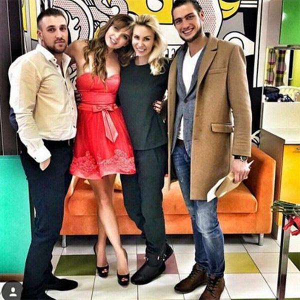 Элина и Саша в компании своих друзей Эллы Сухановой и Игоря Трегубенко