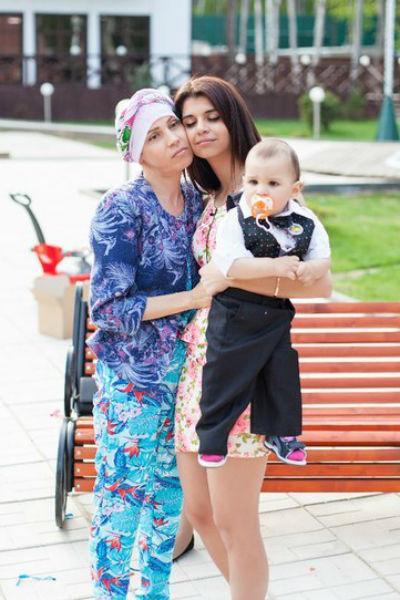 По словам Алианы Гобозовой, ее маму спасают счастливые минуты, проведенные с семьей