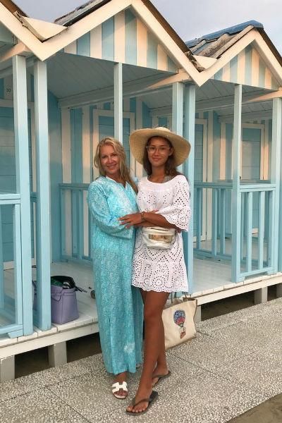 Екатерина Одинцова с дочерью Диной