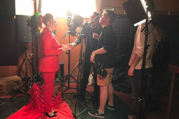 Анастасия Спиридонова невероятно рада тому, что ей удалось собрать на съемочной площадке многих коллег по проекту