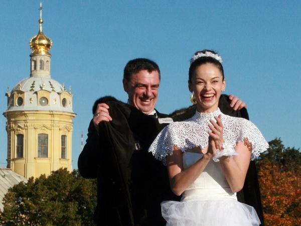 Сергей Тарасов и Анастасия Колегова сыграли свадьбу в октябре 2009 года