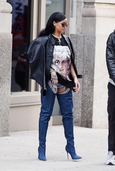Рианна умеет носить вещи с экстравагантными принтами