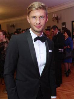 Евгений Левченко