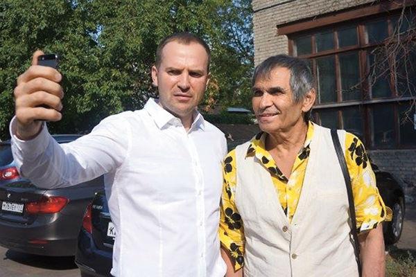 Жорин постоянно на связи с Бари Алибасовым