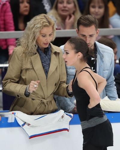 Алина Загитова и ее тренер