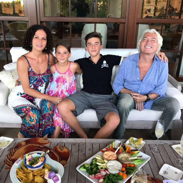 Хворостовский благодарен за поддержку семьи