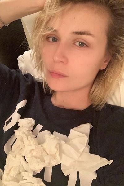 Полина Гагарина слегла с простудой