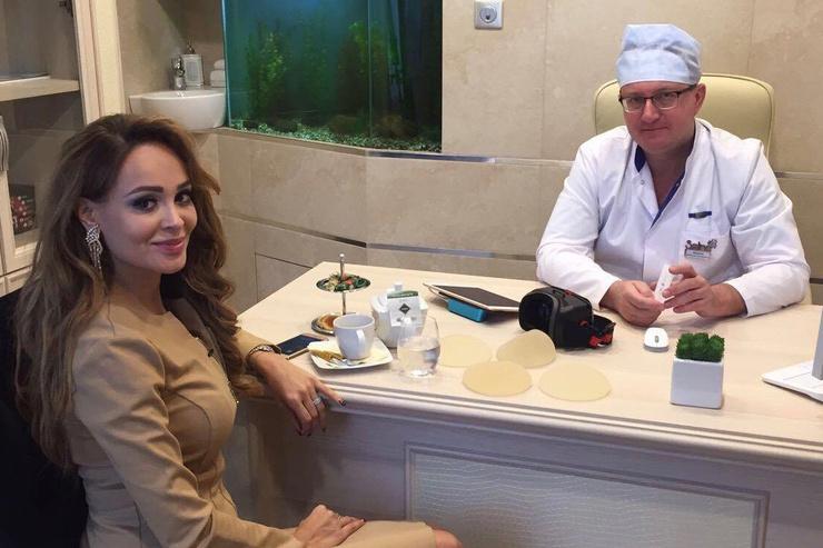 Анна Калашникова на приеме у специалиста перед проведением операции