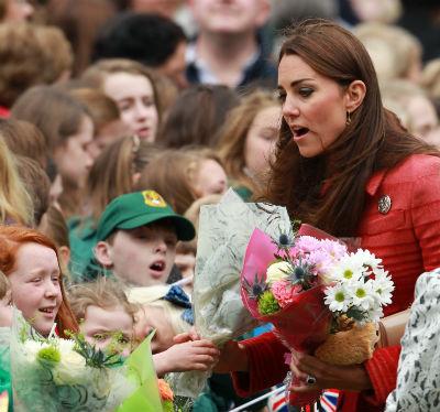 Герцогиня с удовольствием общалась с юными подданными
