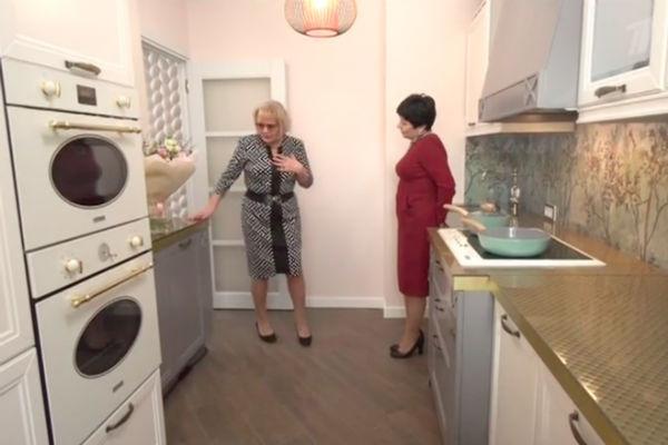 Кухня в квартире Марины Дюжевой после ремонта