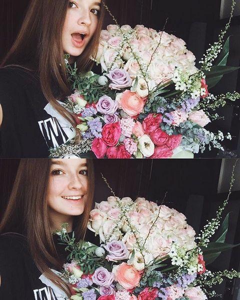Саша Стриженова поздравляет маму с днем рождения