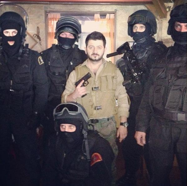 На съемках сериала актеру пришлось познакомиться с бойцами СОБРа