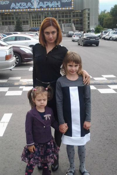 Карина с дочерями Кристиной и Полиной