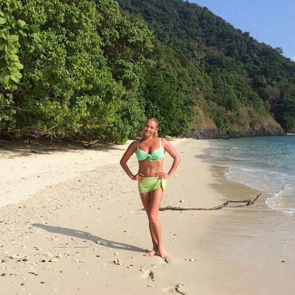 Анастасия наслаждается природой Таиланда