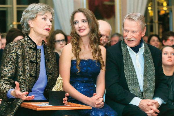 На вручении премии в Царскосельском лицее с актером Иваном Краско и его женой Натальей, октябрь 2016 года