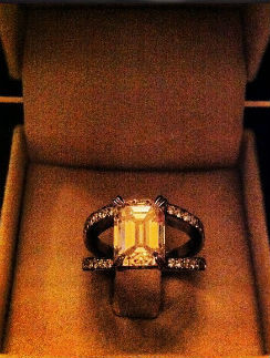 Вот то самое кольцо, которое Алексей подарил возлюбленной