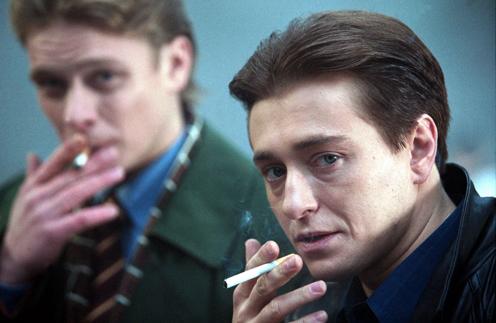 Кадр из первой «Бригады» с участием Сергея Безрукова и Павла Майкова