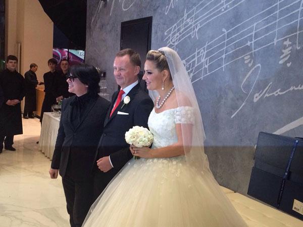 Мария Максакова,  Денис Вороненков и Валентин Юдашкин