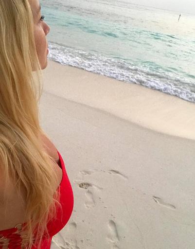 Светская львица Екатерина Одинцова на Мальдивских островах