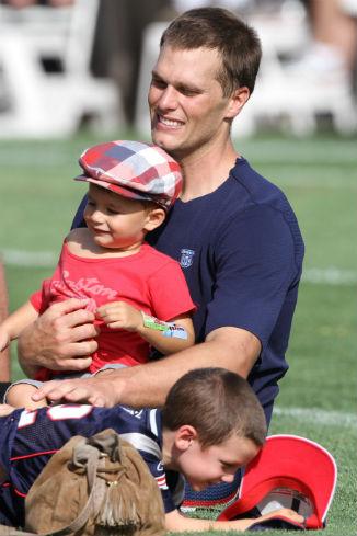 Том Брэди с сыновьями
