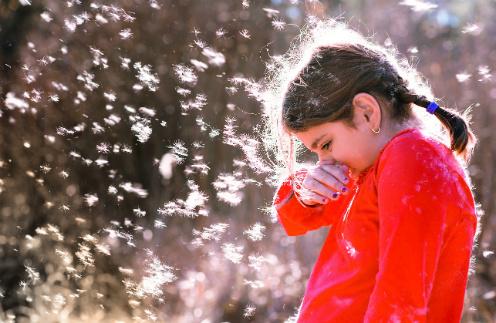 Для кого-то весна - пора любви, первых цветов и романтики. Но не для тех, кто каждый год страдает от сезонной аллергии.
