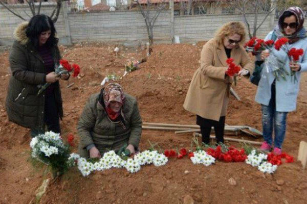 Умута похоронили в Турции