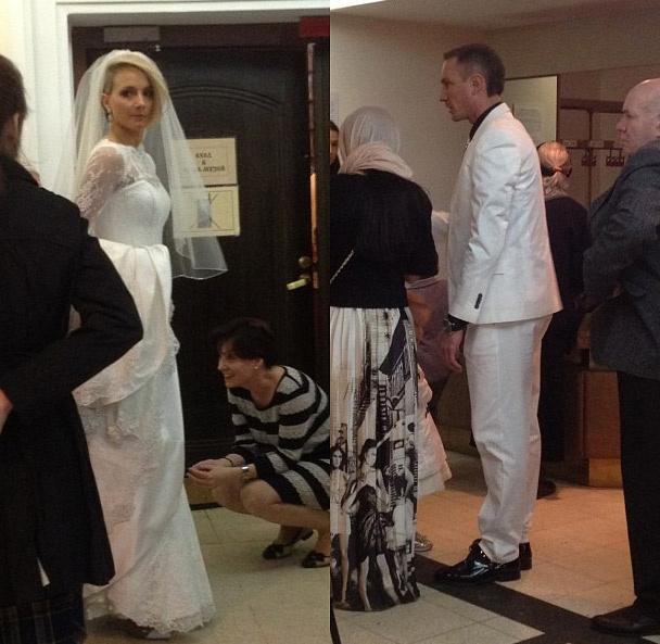 В храме святителя Николая в Толмачах пару сфотографировал случайный свидетель торжества