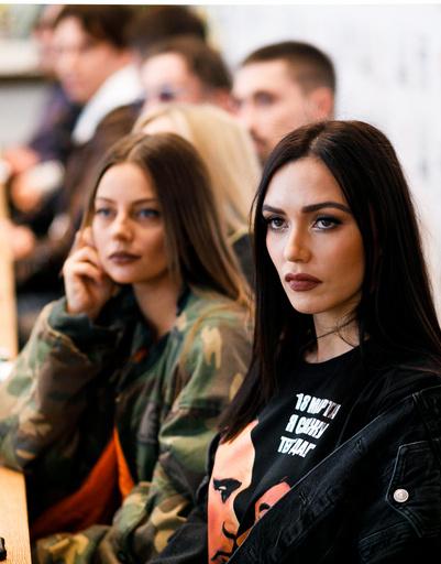 солистки SEREBRO Катя Кищук и Ольга Серябкина