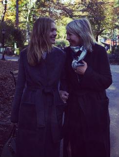 Наталья Водянова со своей мамой Ларисой Викторовной в Центральном парке
