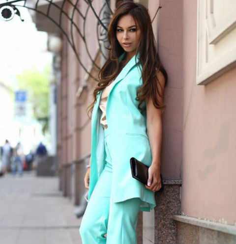 Анастасия Лисова в одежде своего бренда