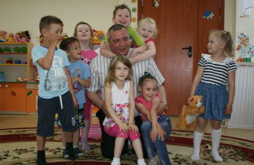Это вторая группа Владимира. До нее были дети от 5 до 7 лет, их он выпустил в прошлом году