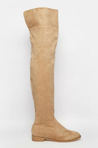 Также для модниц дизайнеры предлагают сапоги-чулки