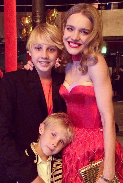 Наталья Водянова с сыновьями Лукасом и Виктором